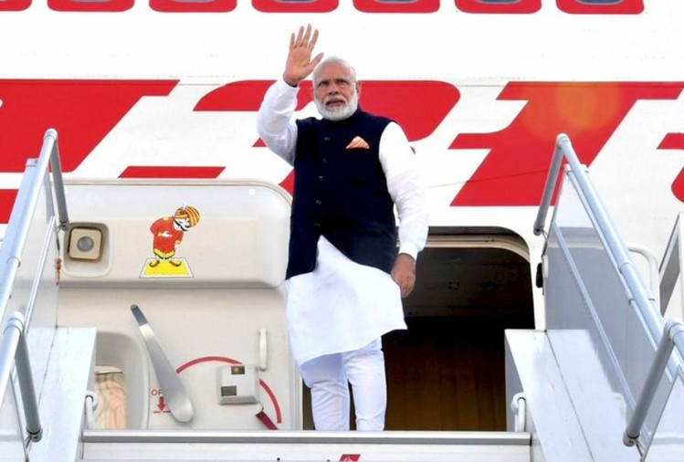 Image result for pm modi stay in airport lounge