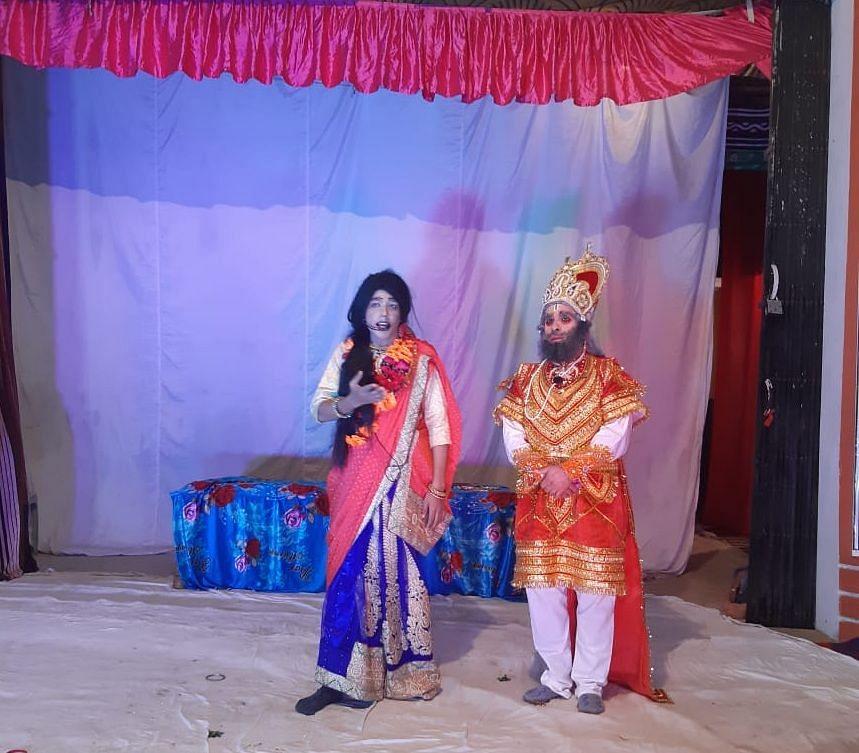 टनकपुर में ज्ञानखेड़ा की रामलीला में कोप भवन में राजा दशरथ से राम वनवास और भरत को राजगद्दी का वरद?