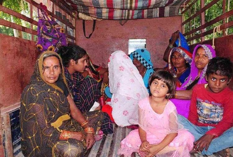चित्रकूट में शरद पूर्णिमा में चित्रकूट आई कटनी मप्र जिले की महिला श्रद्धालु की परिक्रमा करने के बाद एक स्थान पर अचानक तबियत बिगड़ गई। उसके साथ आए अन्य साथी व परिजन उसे लेकर जिला अस्पताल पहुंचे।