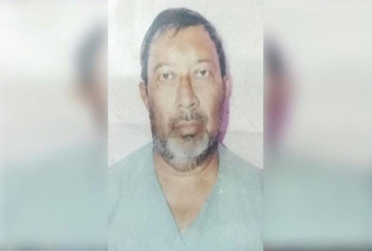 मुजफ्फरनगर जनपद में कस्बा मीरापुर के मोहल्ला कोटला में घर के बाहर गाली-गलौज करने से रोकने पर वृद्ध की पीटकर हत्या कर दी गई। वृद्ध को बचाने पहुंचे उसके बेटे और बेटी पर भी हमला कर कर दिया गया।