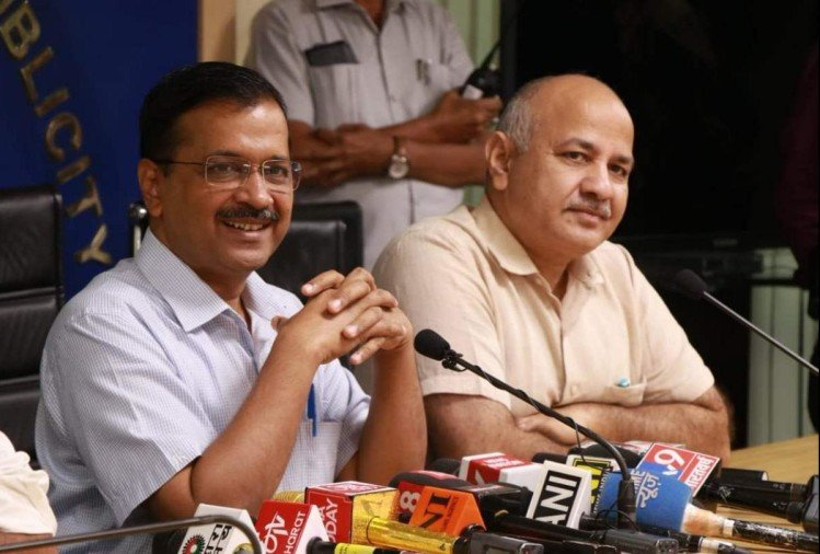 Delhi government press conference says will celebrate pollution free diwali at connaught place