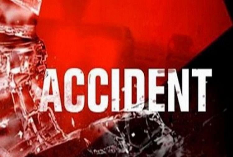 रायबरेली जिले के कोतवाली क्षेत्र में शनिवार की रात बेकाबू पिकप ने निमंत्रण से घर लौट रहे पिता-पुत्र समेत तीन लोगों को रौंद दिया।