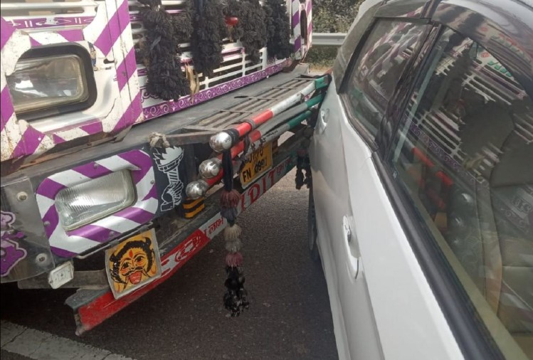 विधायक प्रकरण में 28 जुलाई को रायबरेली में हुए पीड़िता के रहस्यमय सड़क हादसे के गवाह/पूर्व ब्लॉक प्रमुख व दुष्कर्म पीड़िता के चाचा की जमानत लेने वाले पर शुक्रवार को जानलेवा हमले का प्रयास किया गया।