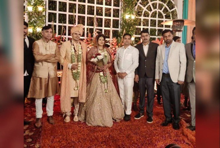 pankhuri pathak married to anil yadav see bridal look