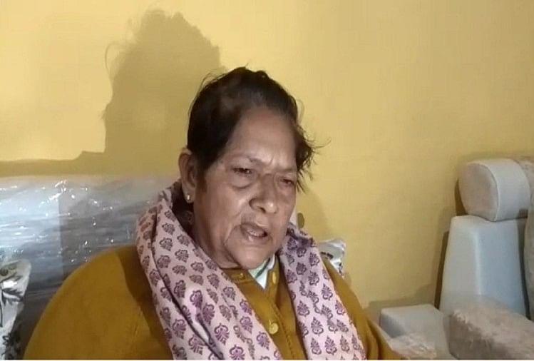 मेरठ में खरखौदा कस्बा निवासी कांग्रेस नेता शारदा त्यागी नेकेंद्र सरकार पर निशाना साधा है। उन्होंने प्रियंका गांगी के आवास पर बड़ी लापरवाही देखी। जिसे देखकर वह हैरान हैं और उन्होंने सवाल उठाए हैं।