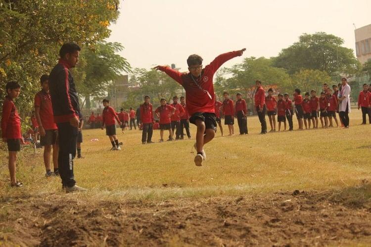 शिवालिक स्कूल में वार्षिक दो दिवसीय खेल शुरू