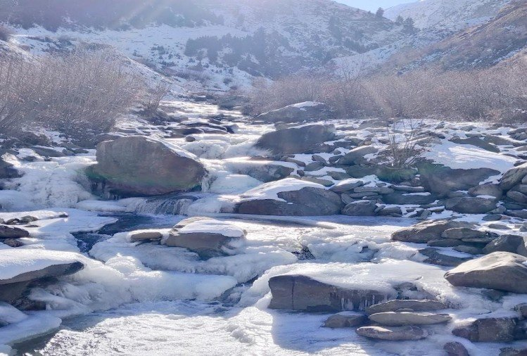 The icy winds became a snag in the Rohtang restoration, streams froze in Lahaul