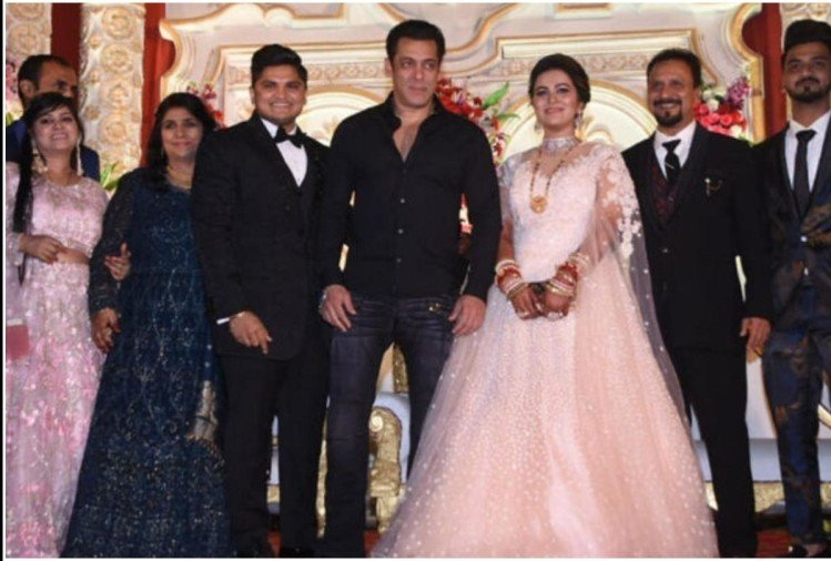 Salman Khan at makeup artist son wedding