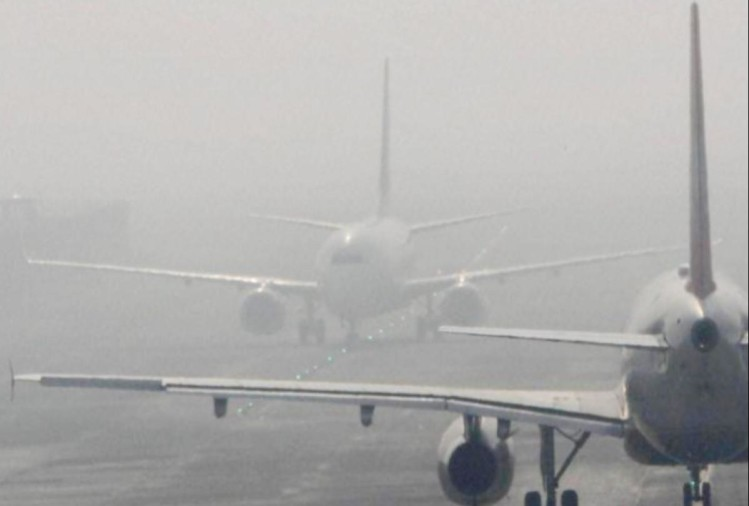 delhi ncr wakes up with foggy weather on friday which affects many flights at igi mercury also dips