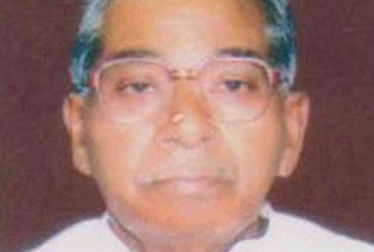 जलालपुर, अंबेडकरनगर के पूर्व विधायक शेर बहादुर सिंह का रविवार को 87 वर्ष की उम्र में निधन हो गया।