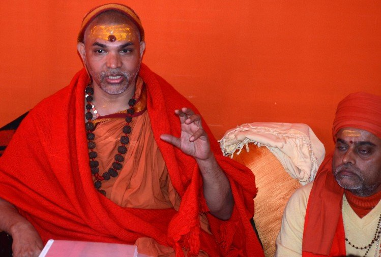 द्वारका-शारदा एवं ज्योतिष पीठ के शंकराचार्य स्वामी स्वरूपानंद सरस्वती ने अयोध्या में अंकोरवाट की तर्ज पर भव्य राम मंदिर निर्माण का फैसला लिया है।