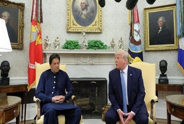दावोस में पाकिस्तान के पीएम इमरान खान और अमेरिका के राष्ट्रपति डोनाल्ड ट्रंप
