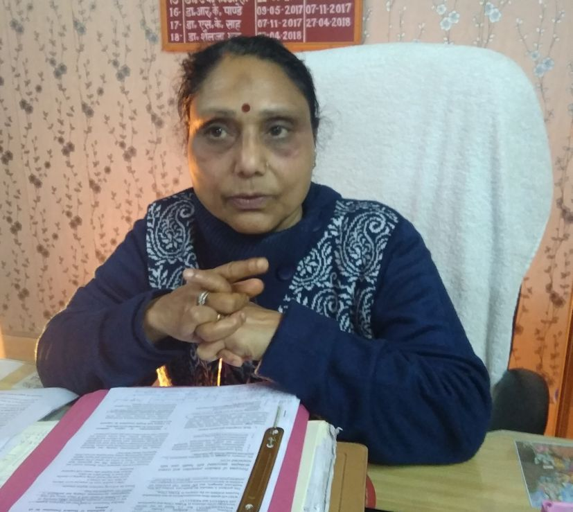 रुद्रपुर में प्रेस वार्ता करती सीएमओ डॉ. शैलजा भट्ट।