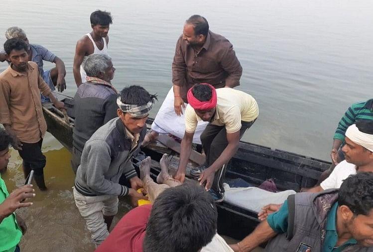 Chapra Sand Laden Boat Capsized In The Ganges 14 Laborers Missing Rescue Operations Continue – बिहार: छपरा में रेत से लदी नाव गंगा नदी में डूबी, 14 मजदूर लापता, राहत-बचाव कार्य जारी