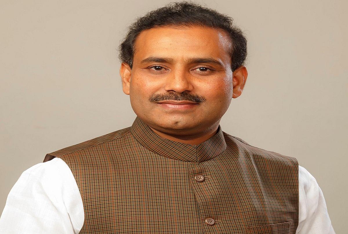 Health Minister Maharashtra Government Wants Clarification From Center On Corona Vaccines - कोरोना के टीकों पर केंद्र से स्पष्टीकरण चाहती है महाराष्ट्र सरकार : राजेश टोपे - Amar Ujala ...