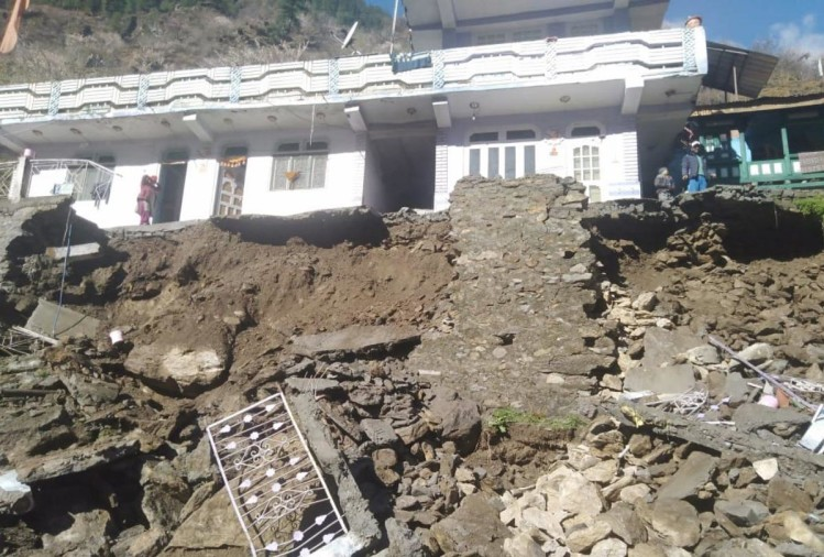 Two killed in Heavy rain and landslide in Kinnaur Chamba Himachal Pradesh
