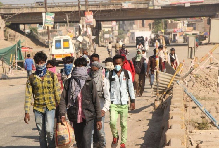 मुख्यमंत्री योगी आदित्यनाथ ने दूसरे राज्यों में रह रहे श्रमिकों से आग्रह किया कि वे पैदल न आएं, उन्हें वापस लाने की व्यवस्था की जा रही है। सभी राज्यों से प्रदेश के श्रमिकों की पूरी सूची मांगी गई है।