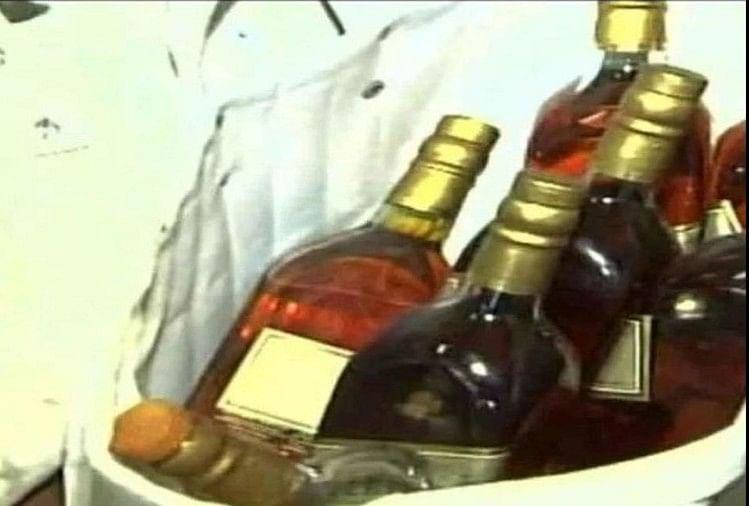 शराब (प्रतीकात्मक तस्वीर)