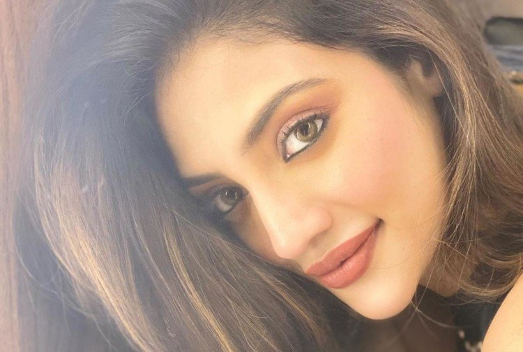 nusrat jahan shows her traditional look on bengali new year in lockdown