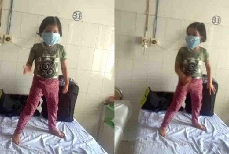 कोरोना से जंग लड़ने के लिए जहां एक ओर हैलट अस्पताल में डॉक्टर फिल्मी गानों पर डांस करके संक्रमित मरीजों का आत्मविश्वास बढ़ा रहे हैं वही रविवार को एक और वीडियो सोशल मीडिया पर वायरल हो रहा है।