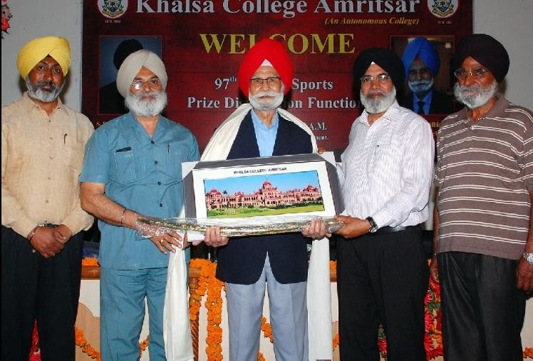 Read untold story of Hockey legend and triple Olympic gold medallist Balbir Singh Sr
