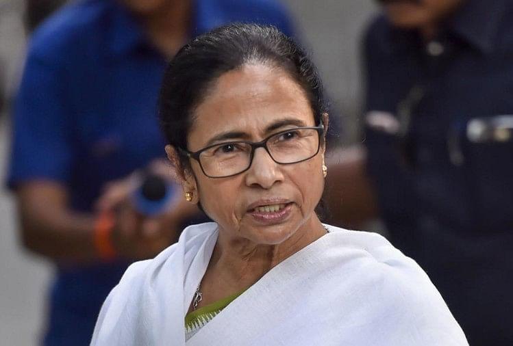 पश्चिम बंगालः ममता बनर्जी को बड़ा झटका, विधायक प्रबीर घोषाल ने पार्टी के दो पदों से दिया इस्तीफा thumbnail
