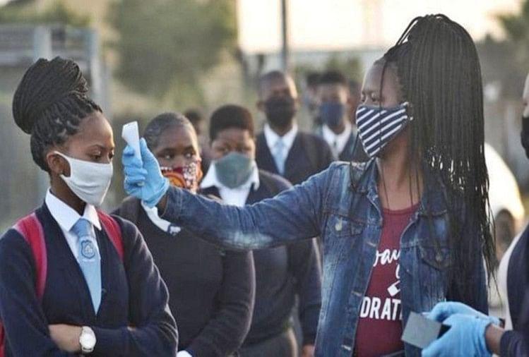 Photo of दक्षिण अफ्रीका में कोविड-19 का सबसे खतरनाक दौर आना अभी बाकी है: शीर्ष वैज्ञानिक