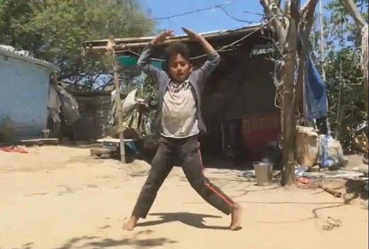 डब्बू अंकल के बाद गोविंदा के गानों पर डांस कर रहे इस बच्चे का वीडियो हुआ वायरल, रवीना टंडन ने शुरू की तलाश - अमर उजाला