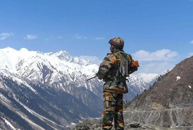 सरहद पर तैनात भारतीय सेना का जवान (फाइल फोटो)