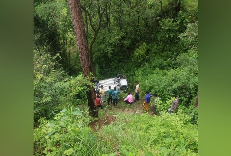 Husband Wife New Car Fell into ditch in tehri during going to market, Two people killed,