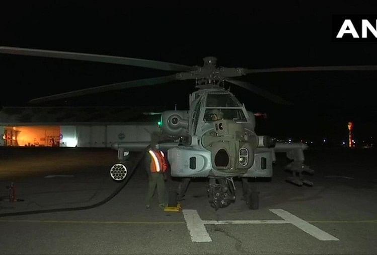 भारत-चीन सीमा पर वायुसेना की हुंकार, अपाचे लड़ाकू विमान ने रात में भरी उड़ान