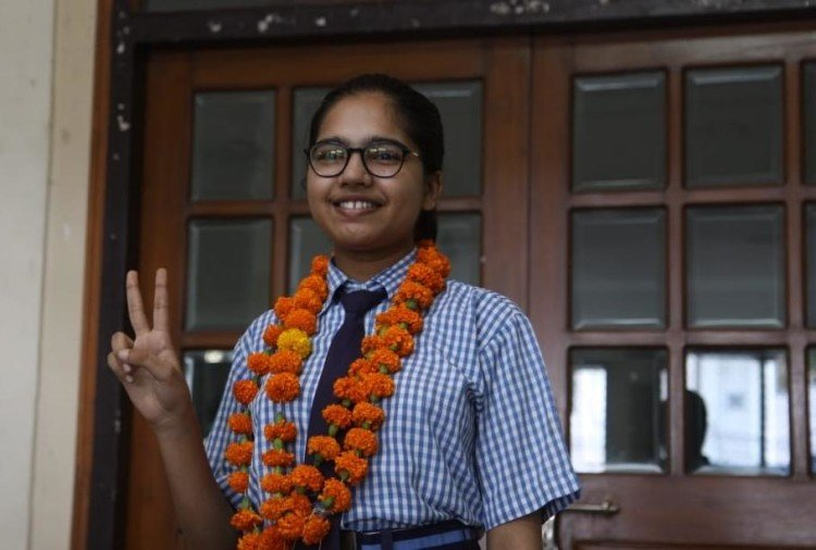CBSE Results 2020: Divyanshi Jain creates history by getting 100 percent marks in.