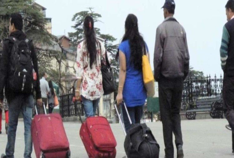 कोरोना : कोविड निगेटिव रिपोर्ट बनी परेशानी, उत्तराखंड आने के बजाय हिमाचल जा रहे पर्यटक