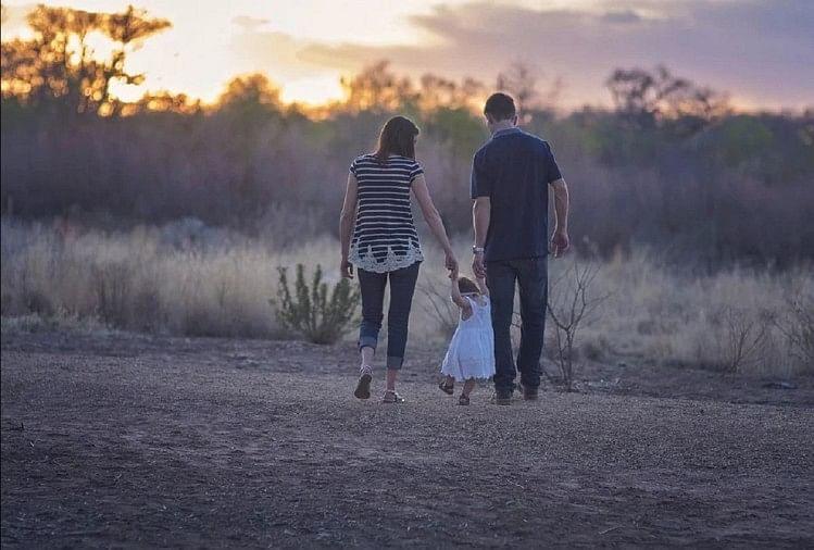 प्रतीकात्मक तस्वीर - parents day 2020