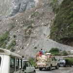 Himachal News : road blocked due to landslides in kullu sirmour and solan