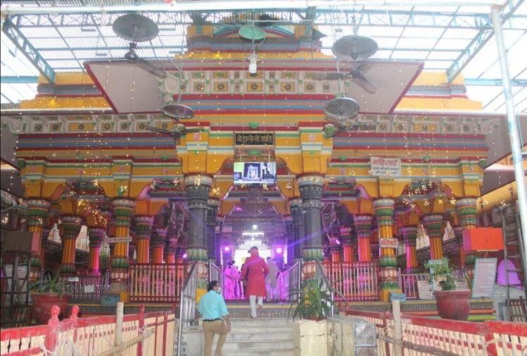 ठाकुर द्वारिकाधीश मंदिर
