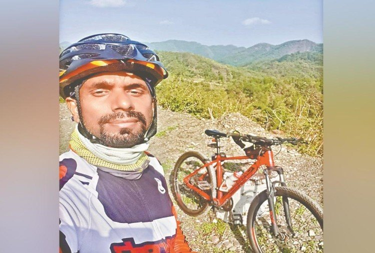 Dehradun Income Tax Officer Doing Cycling in Lockdown , Inspirational Story