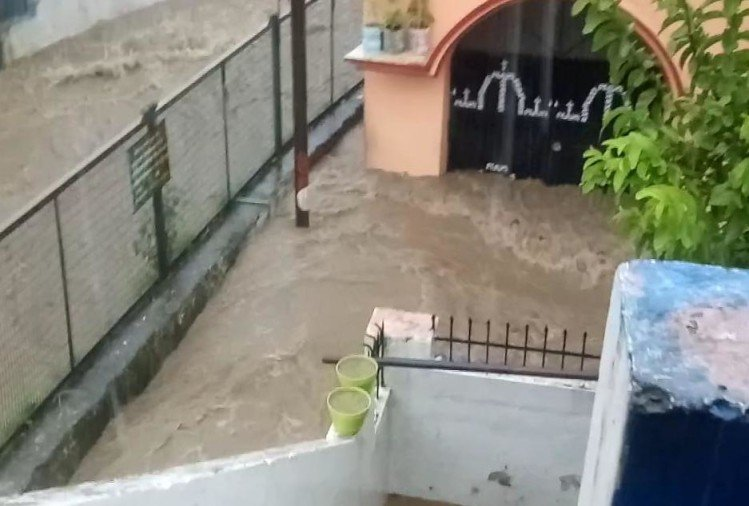 Weather Forecast Today Update in Uttarakhand News: flood in dehradun seen in photos