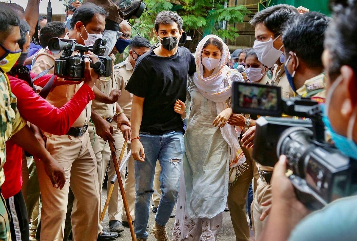 Sushant Singh Rajput Case: Ncb Says Evidence Of Drugs Connection Of Showik  Chakraborty Brother Of Rhea Chakraborty - Showik Chakraborty News: गिरफ्तार  ड्रग डीलरों से रिया चक्रवर्ती के भाई शोविक का था
