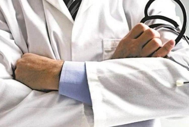 डॉक्टरों के तबादले पर रोक, कोरोना के बढ़ते मामलों के चलते सरकार ने लिया निर्णय