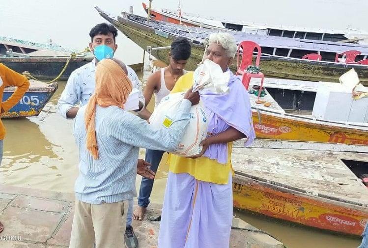 Sonu Sood again fulfills promise, helps 220 sailors of Kashi, needy tells true hero