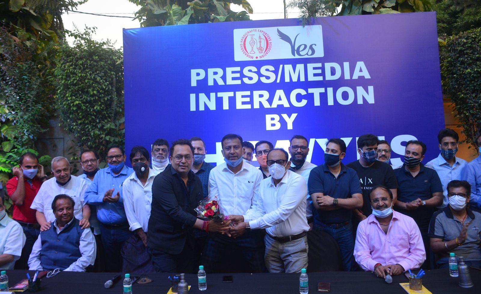 दिल्ली रोड स्थित नोदी एक्सपोर्ट में एपीसीएच के सीओए चुनाव में नीरज खन्ना मतों से विजय प्राप्त हो?