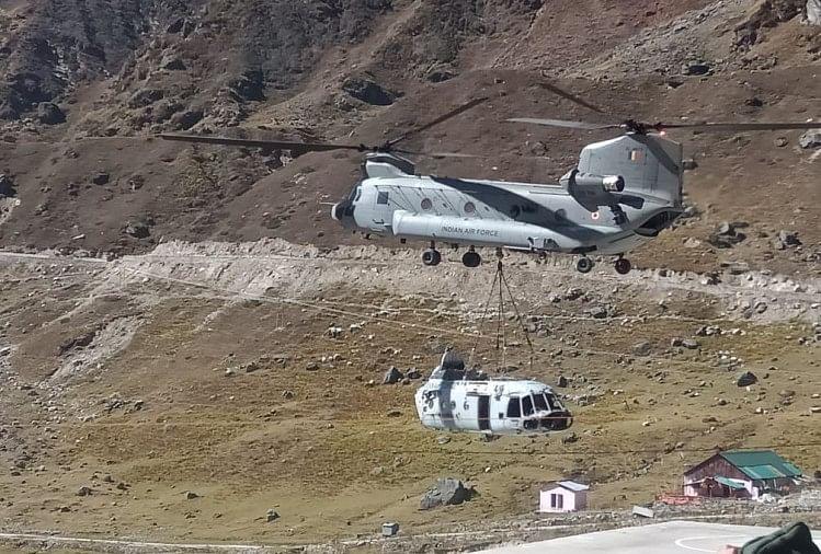 केदारनाथ में चिनूक हेलीकॉप्टर उतरा