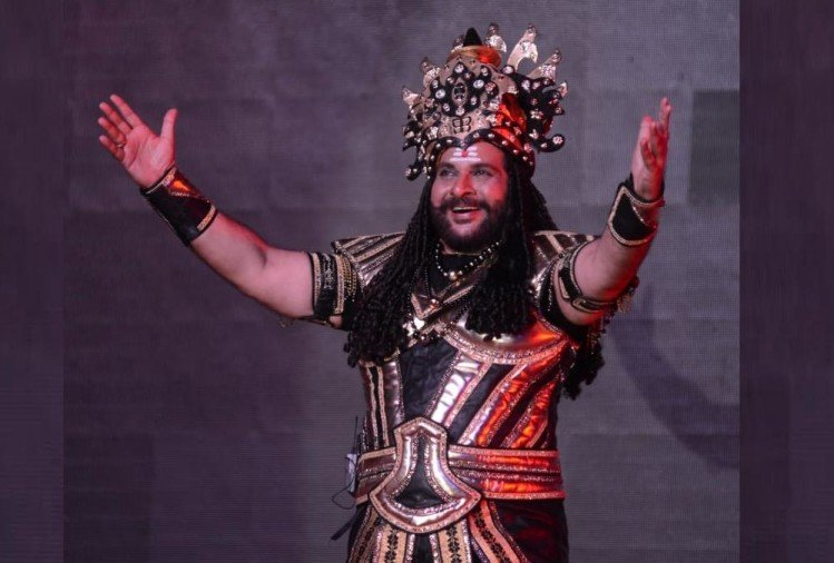 Shahbaz Khan is playing Ravan's role in virtual ramleela in Ayodhya.