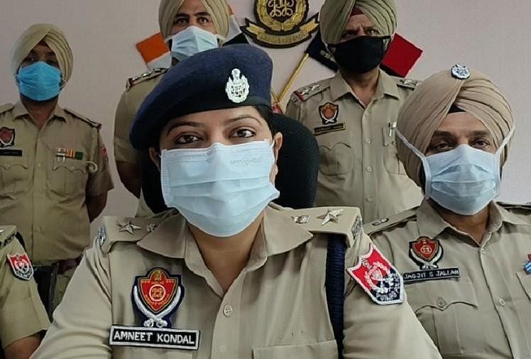 पंजाब पुलिस के दो कांस्टेबल गिरफ्तार, वर्दी पर नशा तस्करी का दाग