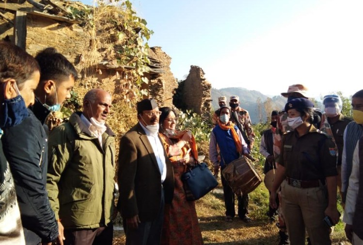 Uttarakhand: NSA ajit doval Talked To Villagers in Pahadi garhwali Language during Pauri Visit