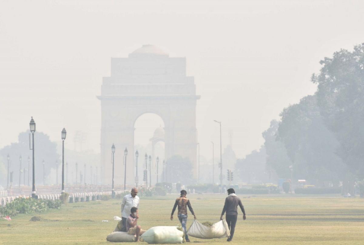 दिल्ली में बढ़ी सर्दी