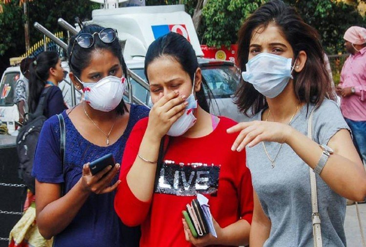 भारत में कोरोना कैसे पड़ा कमजोर, विशेषज्ञ भी रह गए हैरान