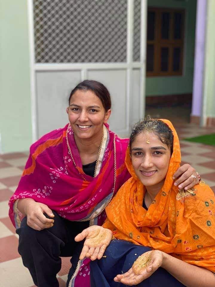 International wrestler Sangeeta Phogat sat down to reach for marriage with 20 Baratis, Bajrang Punia