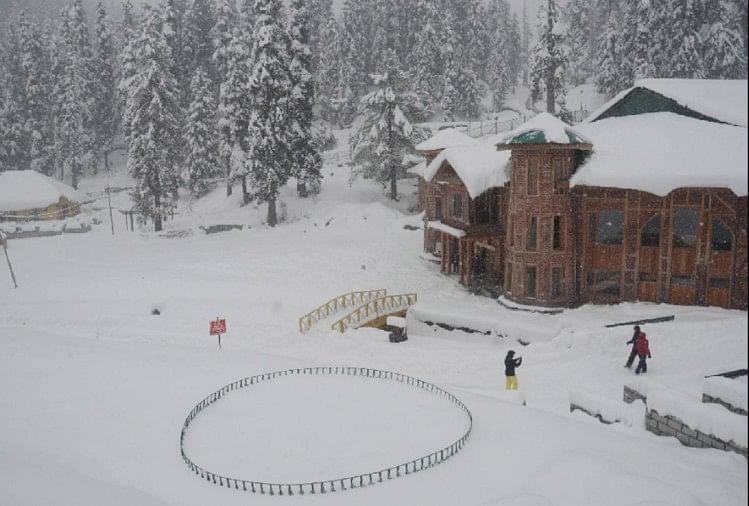 भारी बर्फबारी और बारिश की चेतावनी, ऑरेंज अलर्ट जारी, श्रीनगर-लेह हाईवे बंद
